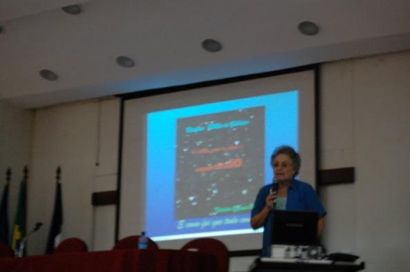 Palestra: Buracos Negros, Professora Sueli Viegas