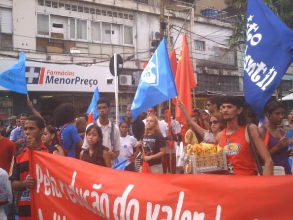 Estudantes universitários, secundaristas e trabalhadores, unidos na luta pela redução do preço das passagens!